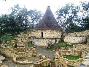 Les Chachapoyas et Kuélap Mystérieux