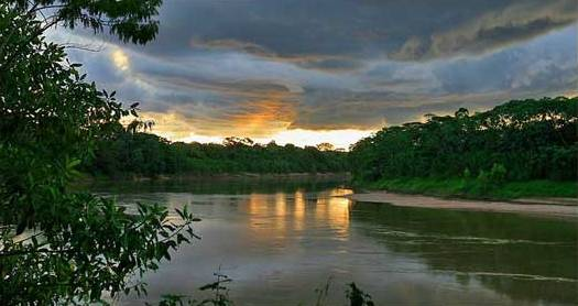 tambopata sunset, amazing show